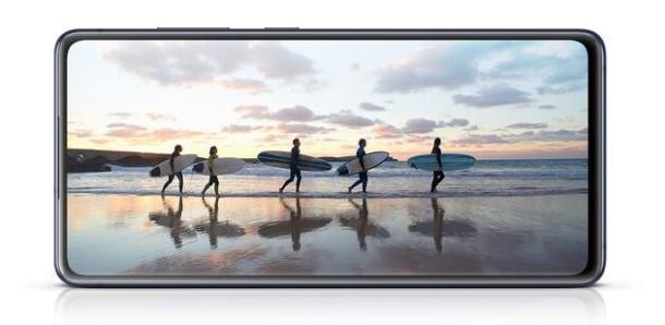 Das Samsung Galaxy S20 FE kommt in vielen verschiedenen Farben.