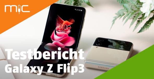 Das Samsung Galaxy Z Flip3 aufgeklappt und zugeklappt
