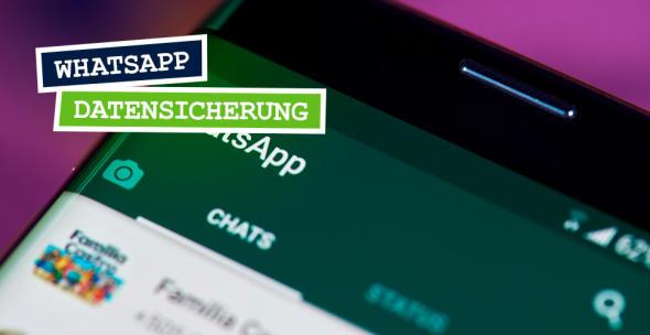 Smartphone mit geöffneter WhatsApp-App