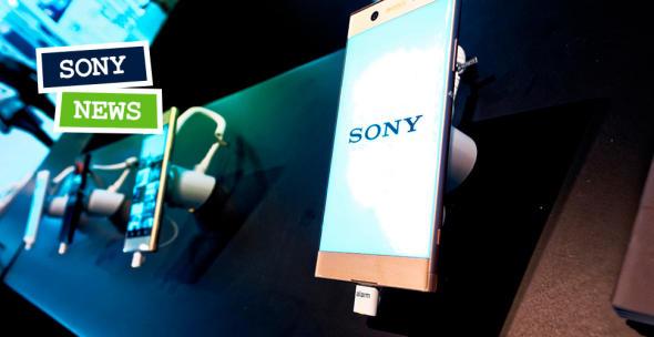 Sony Smartphones auf einer Auslage präsentiert mit Sony-Schrftzug auf dem Display.
