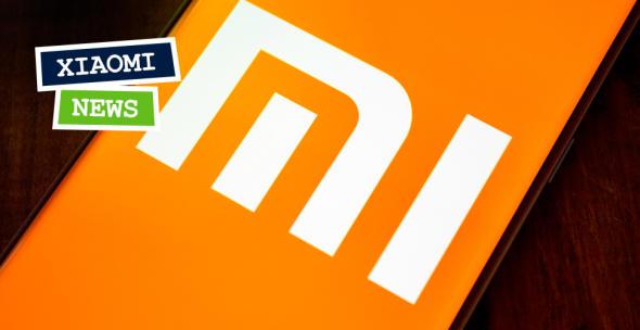 """Ein randloses Smartphone-Display von Xiaomi mit """"mi""""-Logo."""