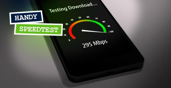 Ein Smartphone, auf dem gerade ein Speedtest durchgeführt wird.
