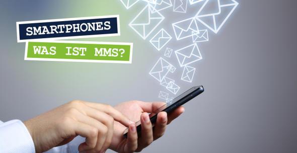 Aus einem Smartphone fliegen Briefumschläge.