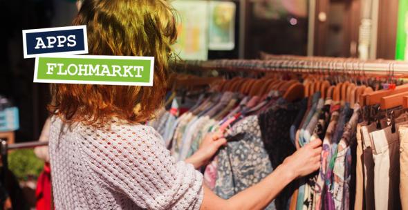 Eine Frau auf dem Flohmarkt, die Second Hand Kleidung sucht.