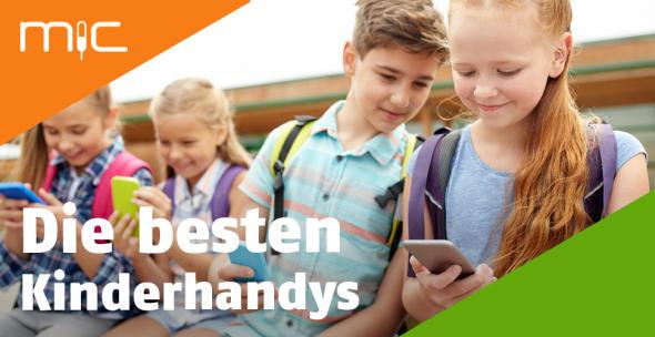 Schulkinder mit Smartphones