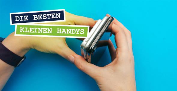 Zwei Hände halten Handys in verschiedenen Größen.