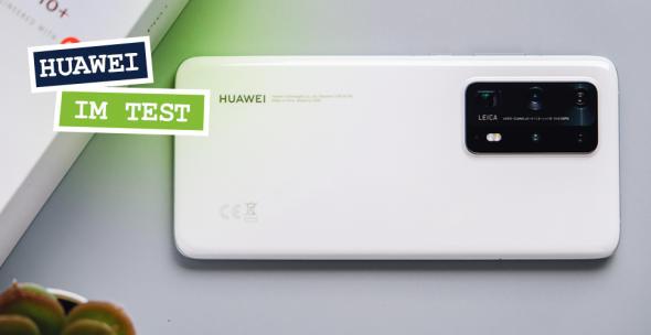 Huawei-Handy auf Tisch