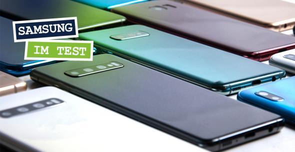 verschiedene Samsung Smartphone-Modelle nebeneinanderliegend
